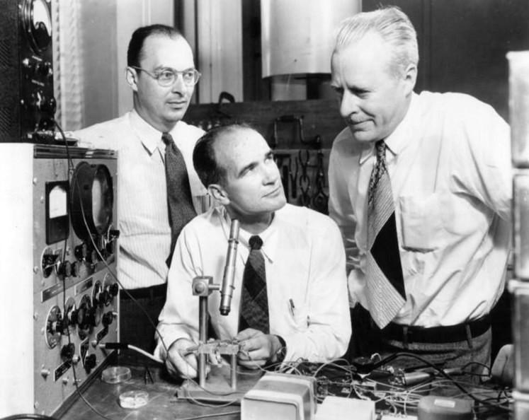 Бардин, Шокли и Браттейн в лаборатории Bell